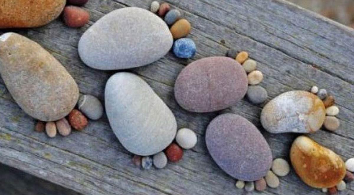stone-footprints-(fi)